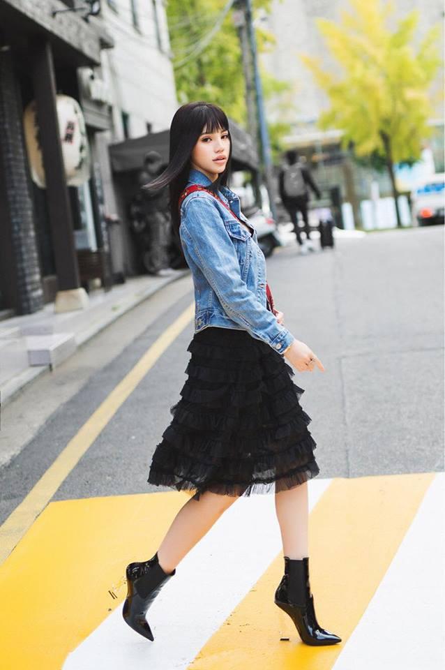 Cùng khoe ảnh chụp từ sau lưng, Hà Hồ - Thanh Hằng khiến đàn em ngả mũ vì street style quá xịn sò - Ảnh 13.