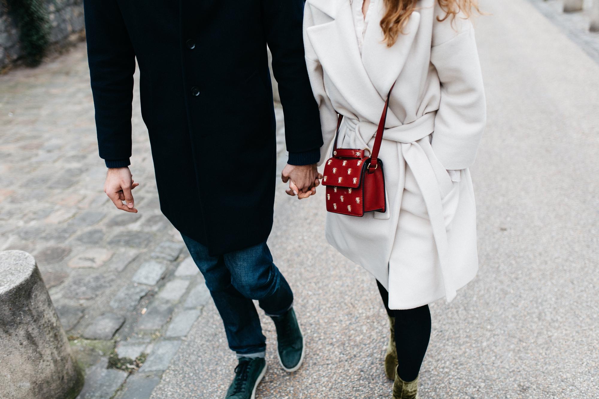 Chuyện tình yêu chỉ là chuyện của hai người, cho nên yêu nhau càng ồn ào càng dễ chia tay - Ảnh 2.