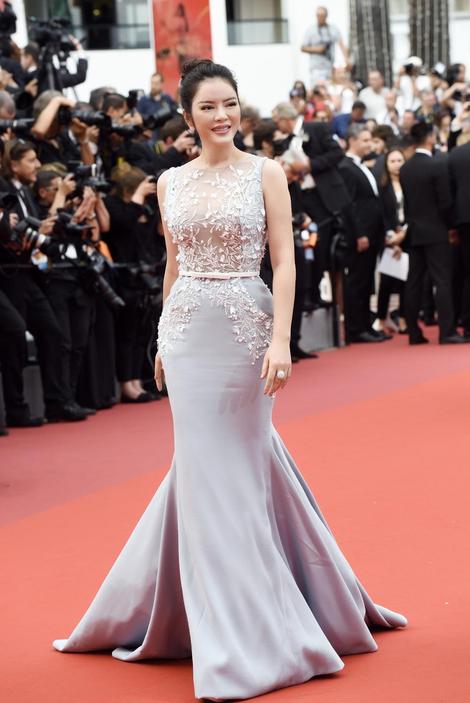 Lý Nhã Kỳ diện cây hàng hiệu hơn 4 tỷ lộng lẫy trên thảm đỏ LHP Cannes - Ảnh 10.
