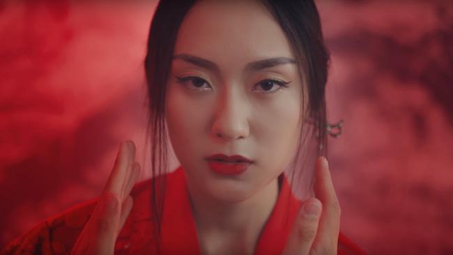 Điểm danh 4 cô người yêu từng sánh đôi cùng Sơn Tùng trong các MV siêu hot - Ảnh 16.
