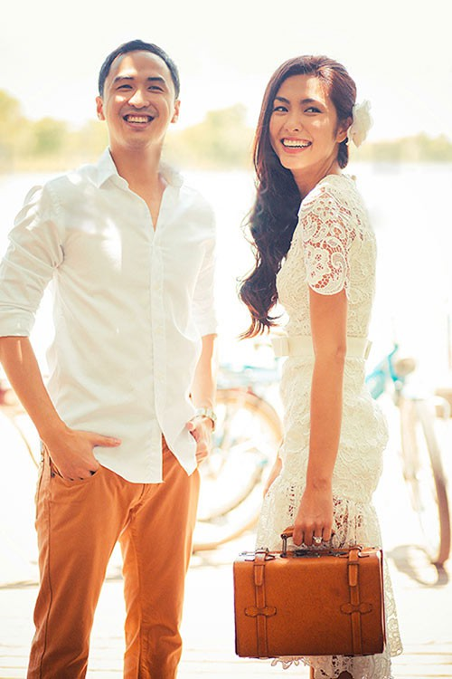 Nhìn lại cuộc sống viên mãn đáng mơ ước của Hà Tăng sau đúng 5 năm từ ngày theo chồng về dinh, rút khỏi showbiz - Ảnh 1.