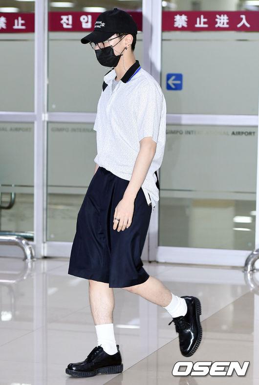 Cuộc chiến nhan sắc sân bay: SNSD có đủ sức đánh bại được chân dài đình đám Seolhyun (AOA)? - Ảnh 24.