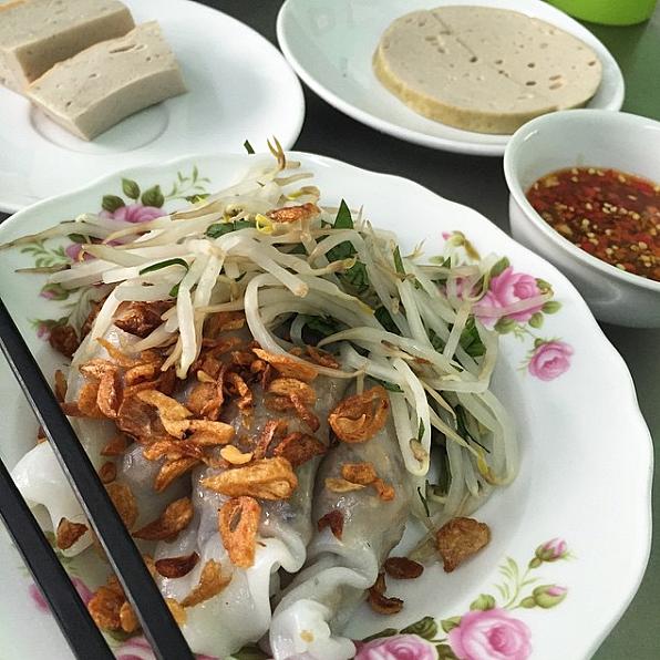"""3 quán bánh cuốn ngon """"nức nở"""" cho ngày mát trời tại Sài Gòn - Ảnh 16."""