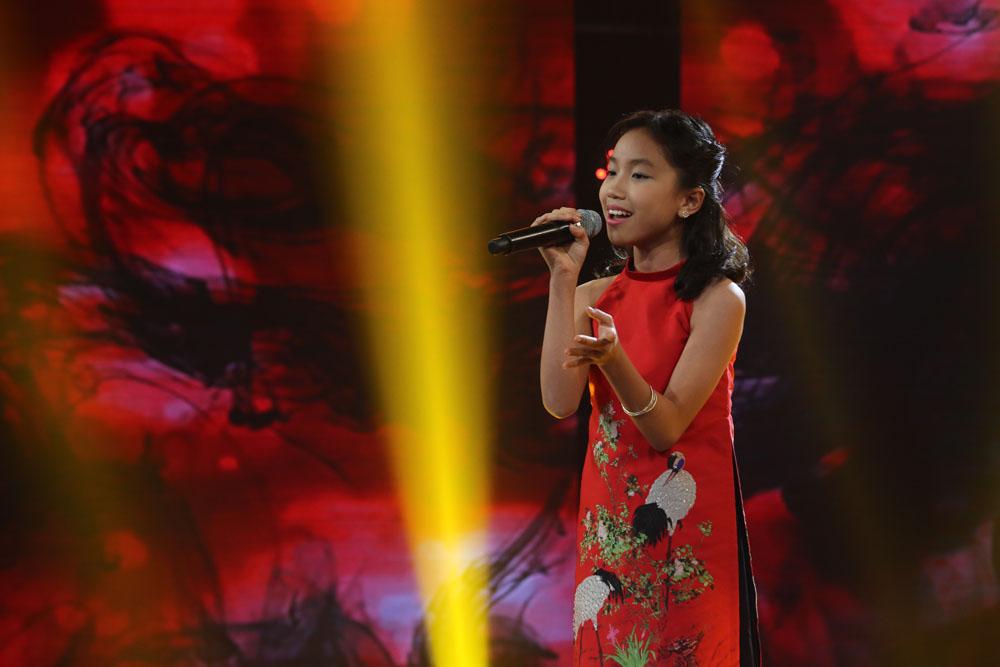 Cô bé Nghệ An khiến mẹ bật khóc trên truyền hình, khán giả bật dậy vỗ tay - Ảnh 7.