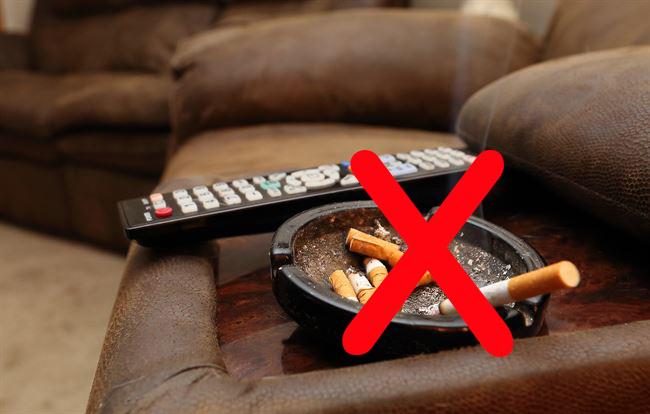 Nghiên cứu mới: khói thuốc lá bám trên quần áo cũng có thể phá hủy nội tạng - Ảnh 1.
