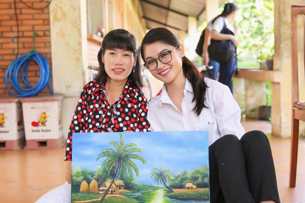 Chưa khỏi hẳn bệnh thủy đậu, Thùy Dung đeo khẩu trang tham gia tổng duyệt đêm chung kết Miss International 2017 - Ảnh 6.