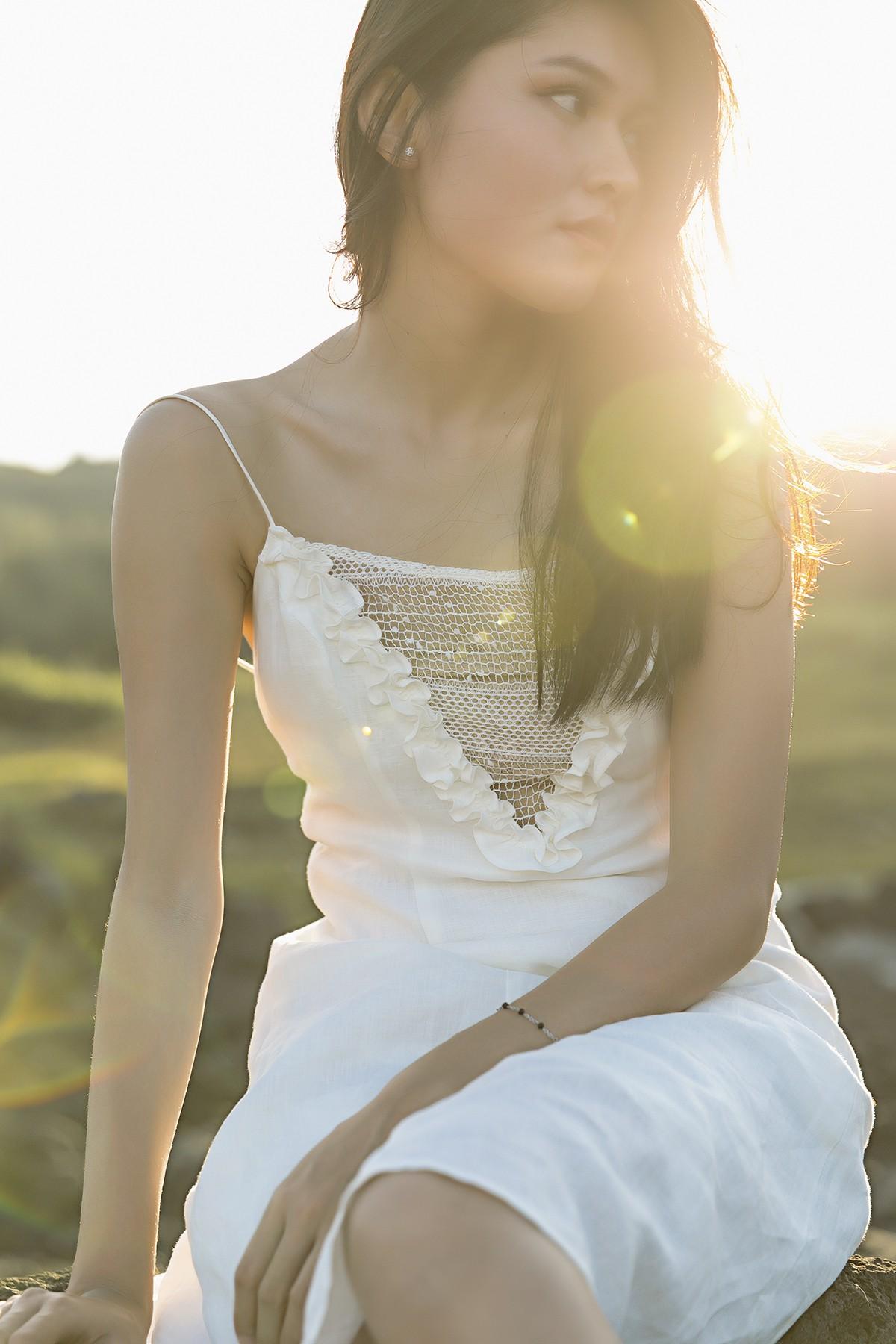 Không chỉ giỏi tiếng Anh, Thùy Dung còn trổ tài hát tiếng Nhật trong clip quảng bá vẻ đẹp biển đảo Việt Nam - Ảnh 5.