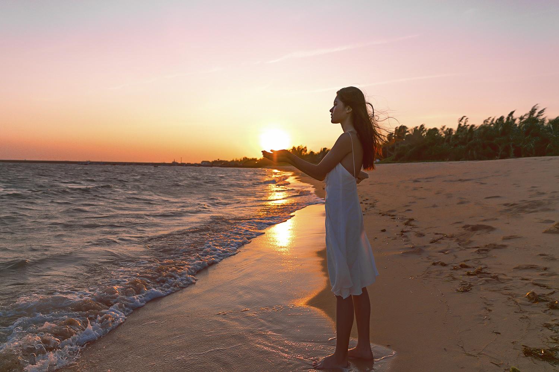 Không chỉ giỏi tiếng Anh, Thùy Dung còn trổ tài hát tiếng Nhật trong clip quảng bá vẻ đẹp biển đảo Việt Nam - Ảnh 6.