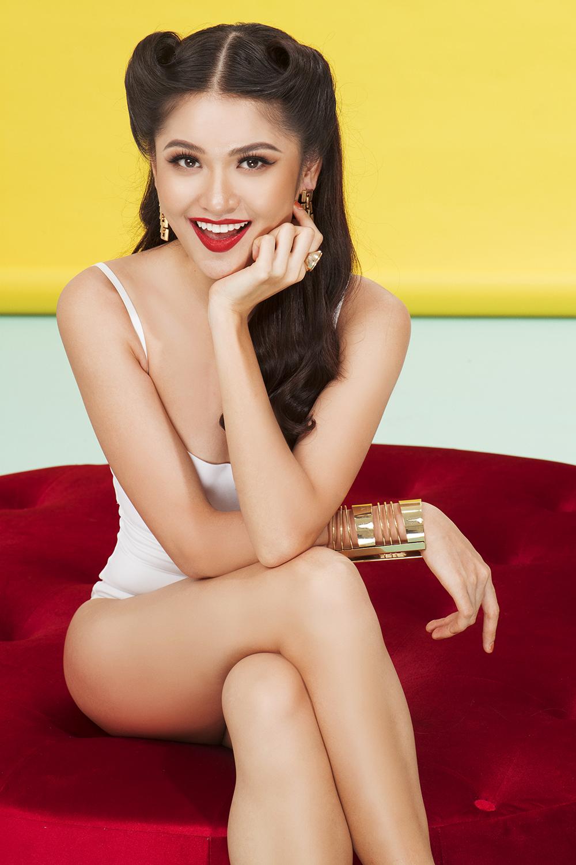 Á hậu Thùy Dung khoe hình thể gợi cảm với áo tắm trước ngày tham gia Hoa hậu Quốc tế 2017 - Ảnh 6.
