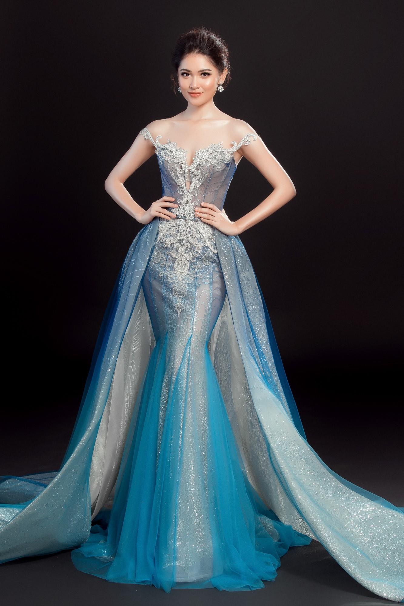 Á hậu Thùy Dung lộng lẫy như công chúa trong đầm dạ hội chính thức tại chung kết Miss International 2017 - Ảnh 1.