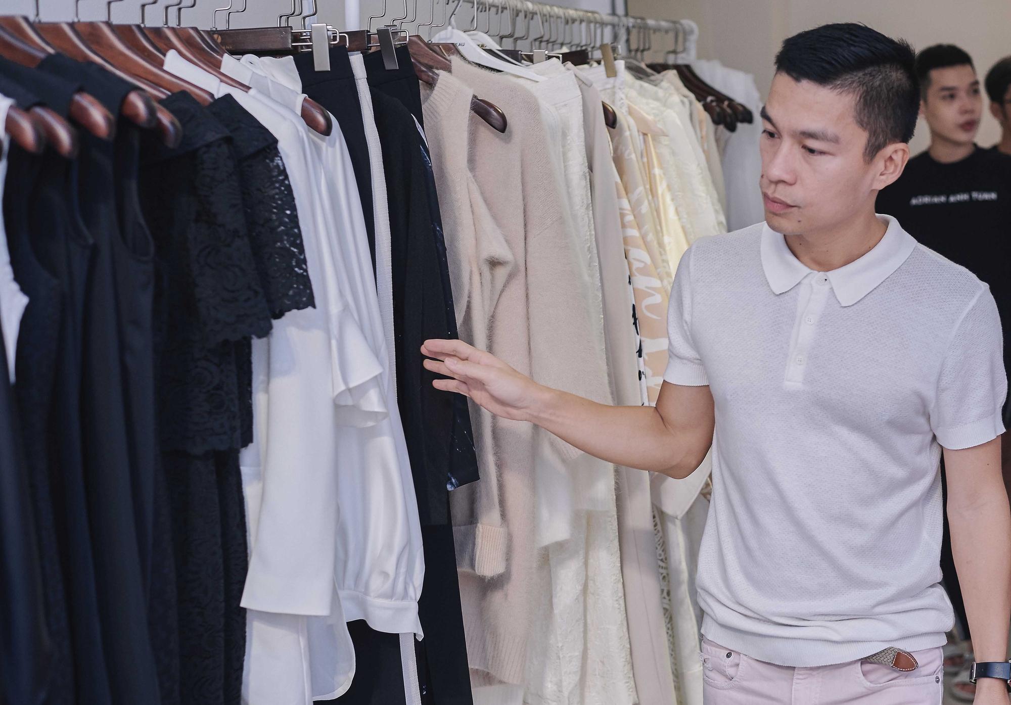 Kỳ Duyên ngày một ra dáng fashion icon, đọ sắc với Phạm Hương trong buổi thử đồ của NTK Adrian Anh Tuấn - Ảnh 14.