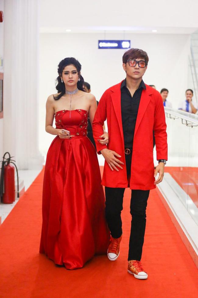 Trương Quỳnh Anh - Tim chăm diện thời trang ton-sur-ton nhất mỗi khi song hành trên thảm đỏ- Ảnh 13.