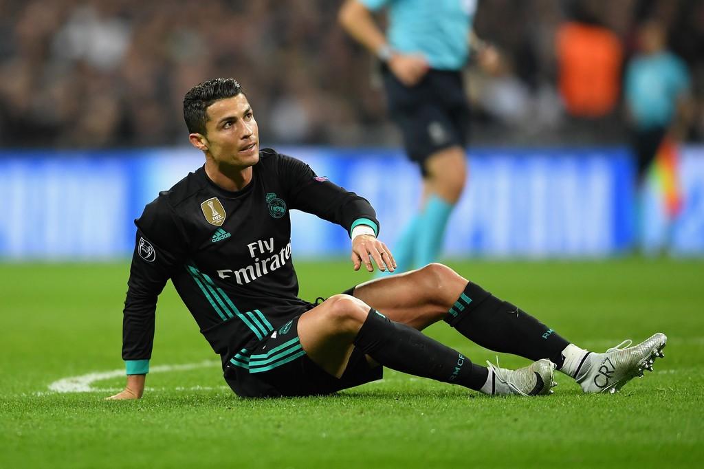 Ronaldo ghi bàn danh dự trong ngày Real Madrid bị Tottenham vùi dập - Ảnh 19.