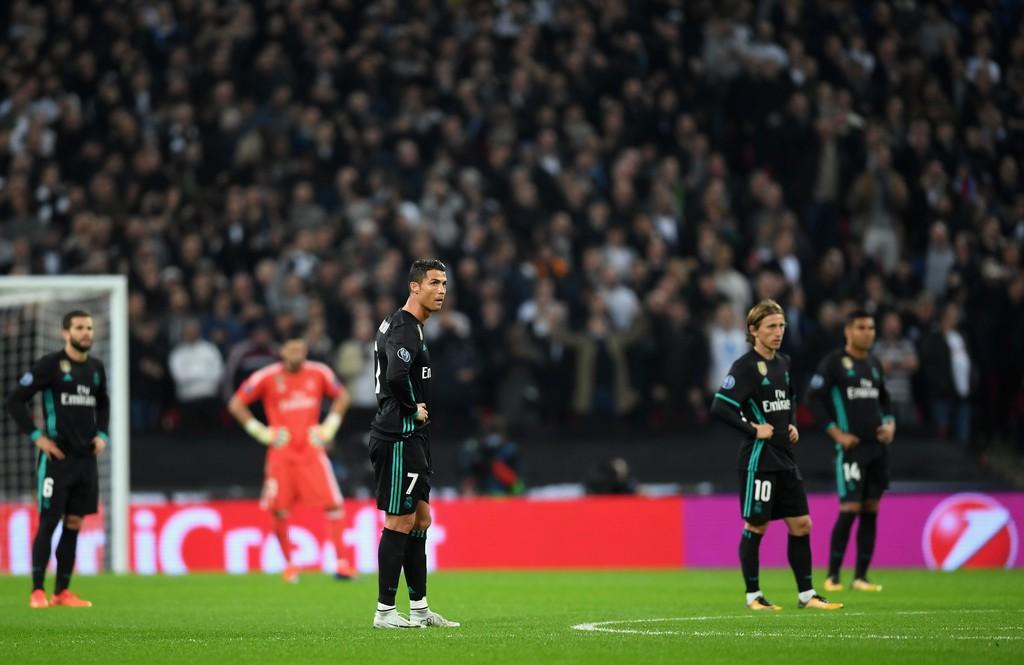 Ronaldo ghi bàn danh dự trong ngày Real Madrid bị Tottenham vùi dập - Ảnh 1.