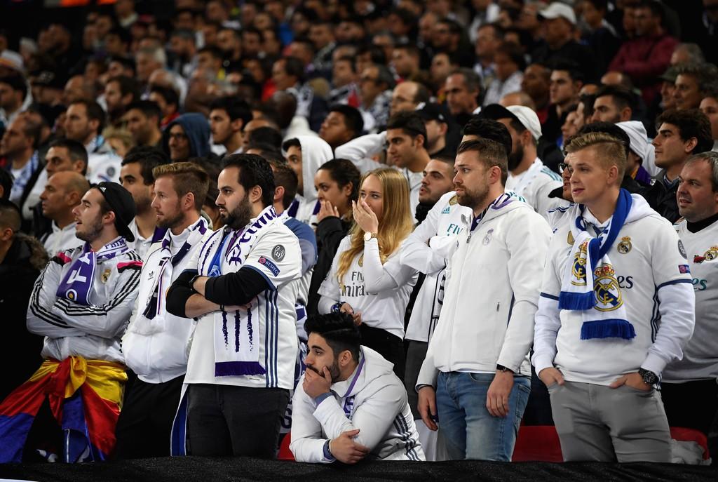 Ronaldo ghi bàn danh dự trong ngày Real Madrid bị Tottenham vùi dập - Ảnh 14.