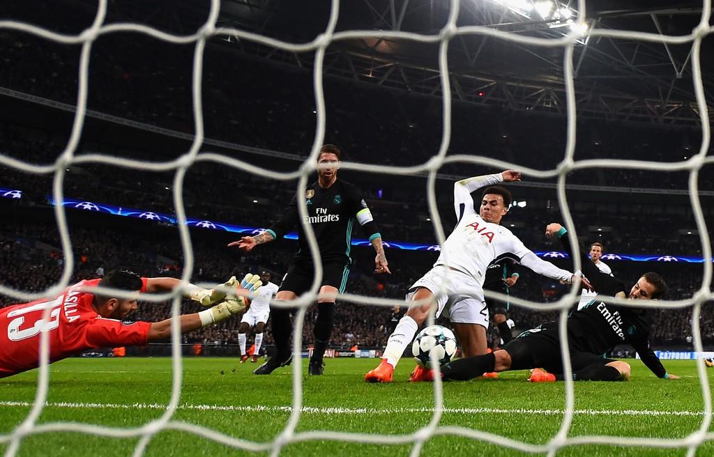 Ronaldo ghi bàn danh dự trong ngày Real Madrid bị Tottenham vùi dập - Ảnh 6.