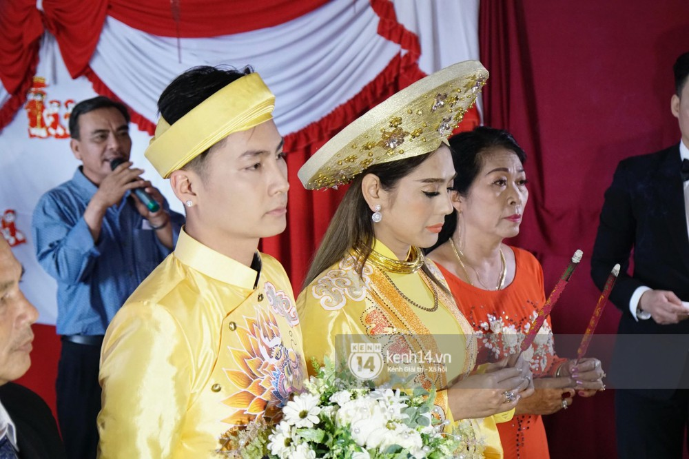 Lâm Khánh Chi đã về đến nhà chồng, cùng chú rể làm lễ vái gia tiên tại Vũng Tàu - Ảnh 4.
