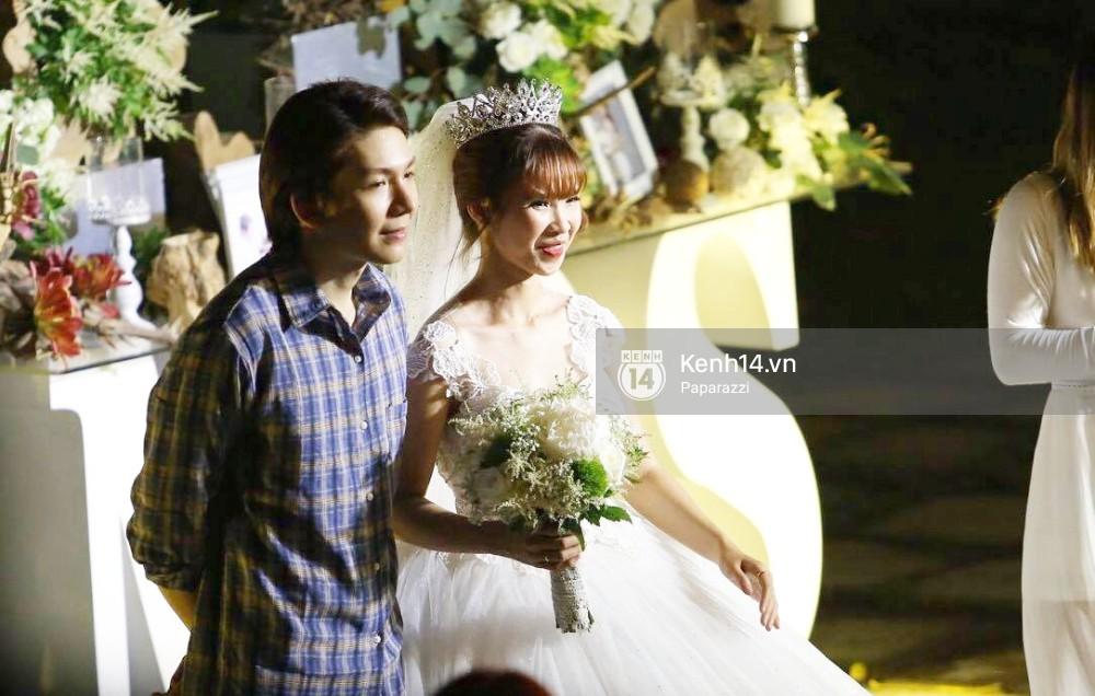 Chiếc váy to và lộng lẫy đã biến Khởi My thành công chúa trong đám cưới cổ tích với Kelvin Khánh - Ảnh 3.