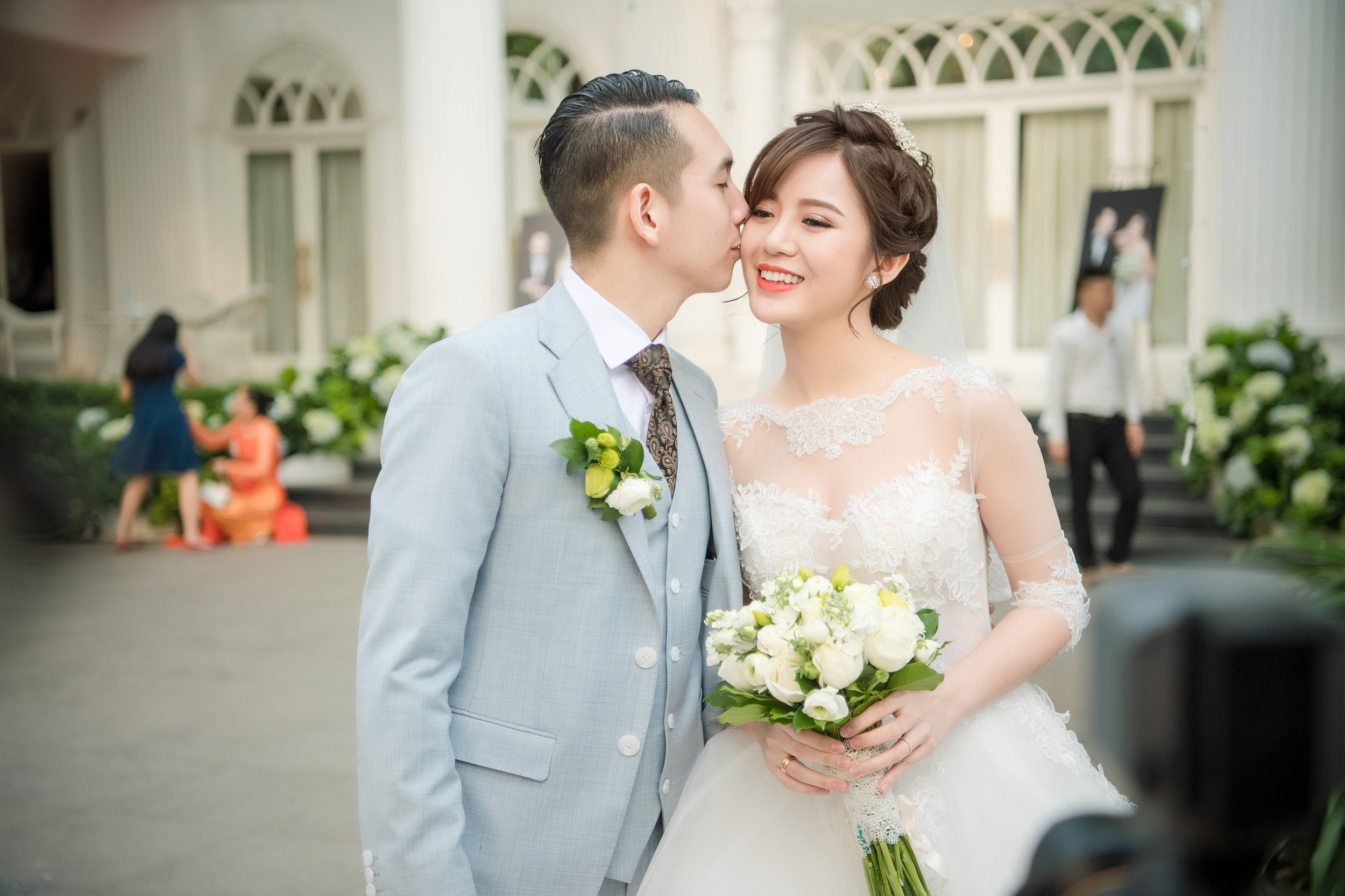 Tú Linh bật khóc cảm ơn bố mẹ chồng trong đám cưới - Ảnh 9.