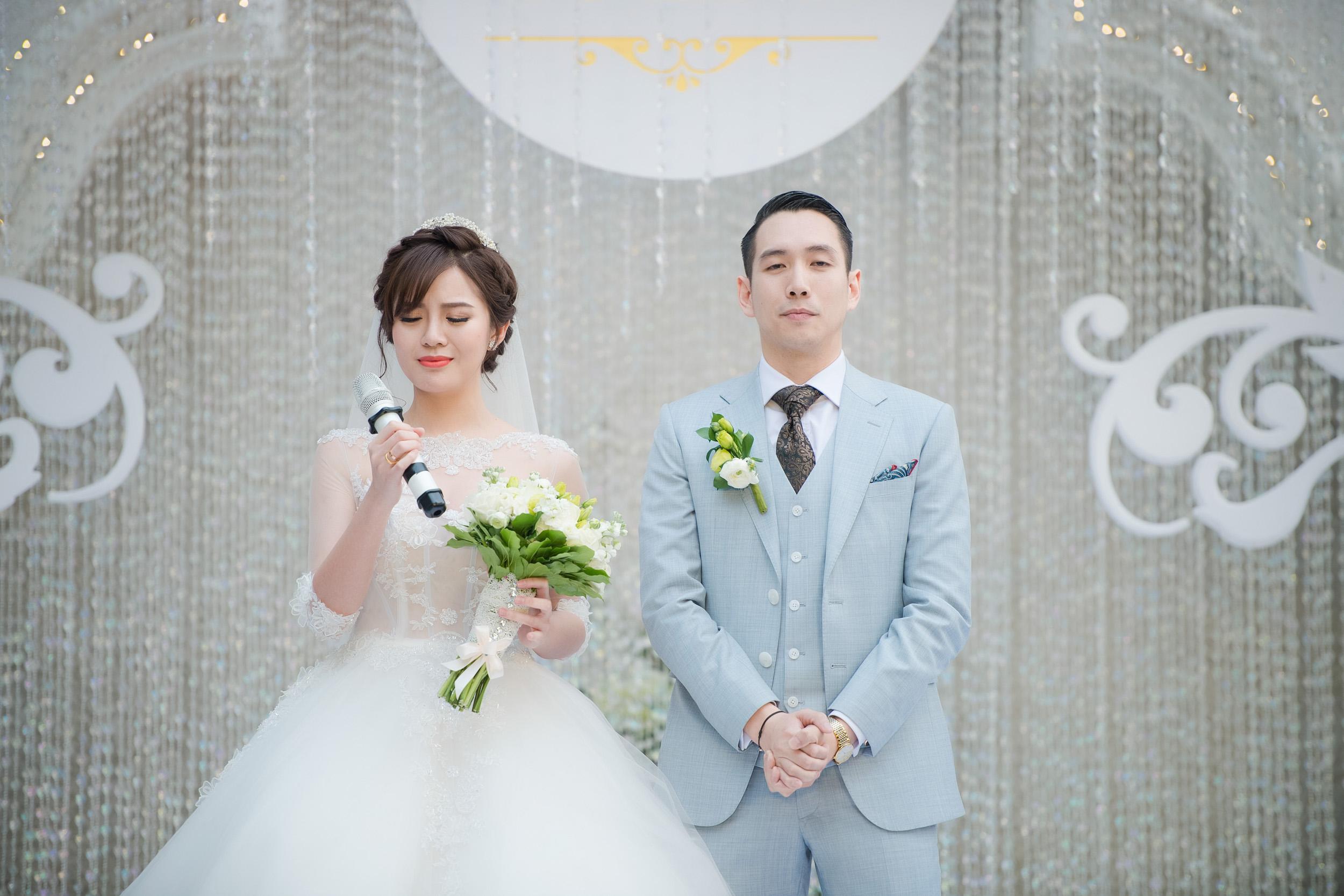 Tú Linh bật khóc cảm ơn bố mẹ chồng trong đám cưới - Ảnh 6.