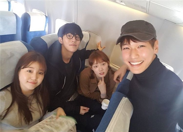 Những khoảnh khắc tình bể bình minh chứng cặp đôi YG Lee Sung Kyung và Nam Joo Hyuk là chân ái - Ảnh 36.