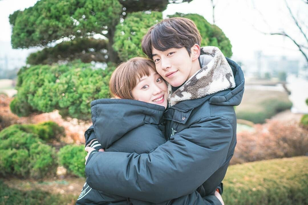 Những khoảnh khắc tình bể bình minh chứng cặp đôi YG Lee Sung Kyung và Nam Joo Hyuk là chân ái - Ảnh 23.