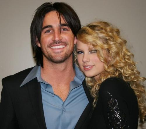 Đây là tất cả những người từng được lên sóng trong các bài hát của Taylor Swift - Ảnh 14.