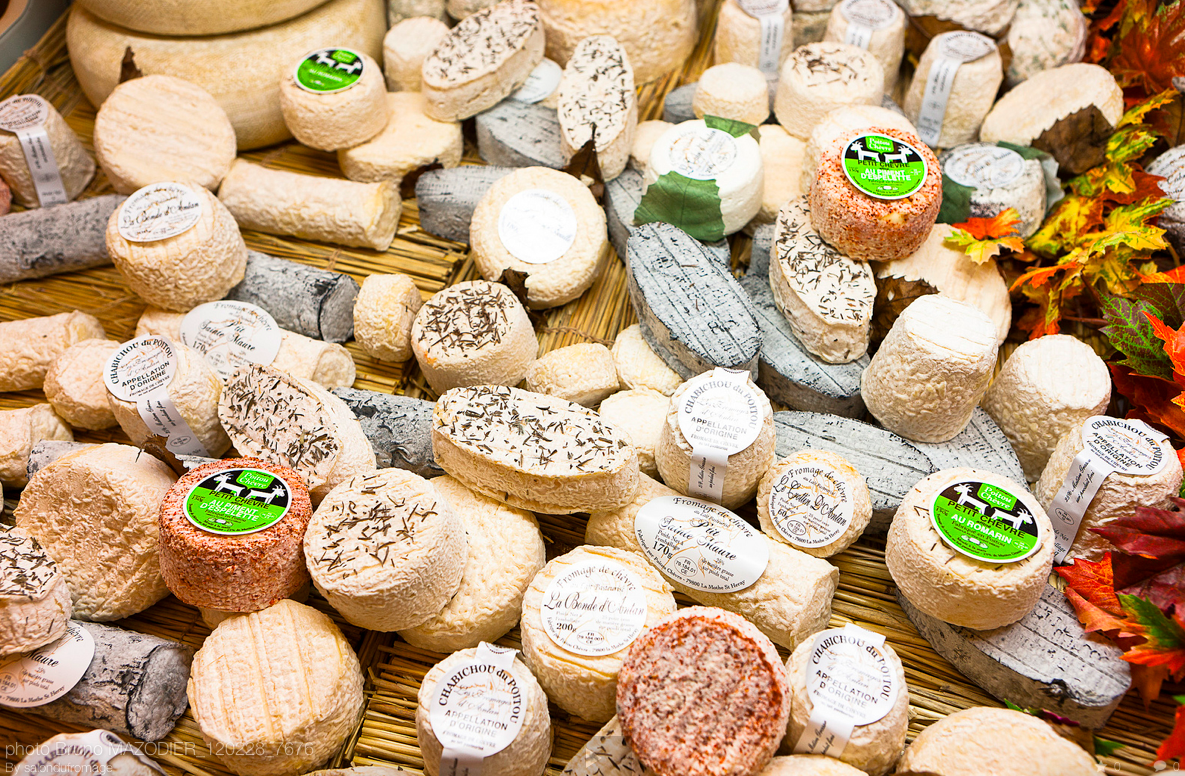 Không kém gì sầu riêng Việt Nam hay đậu phụ thối Trung Quốc, đây là loại phô mai khó ngửi nhất thế giới - Ảnh 4.