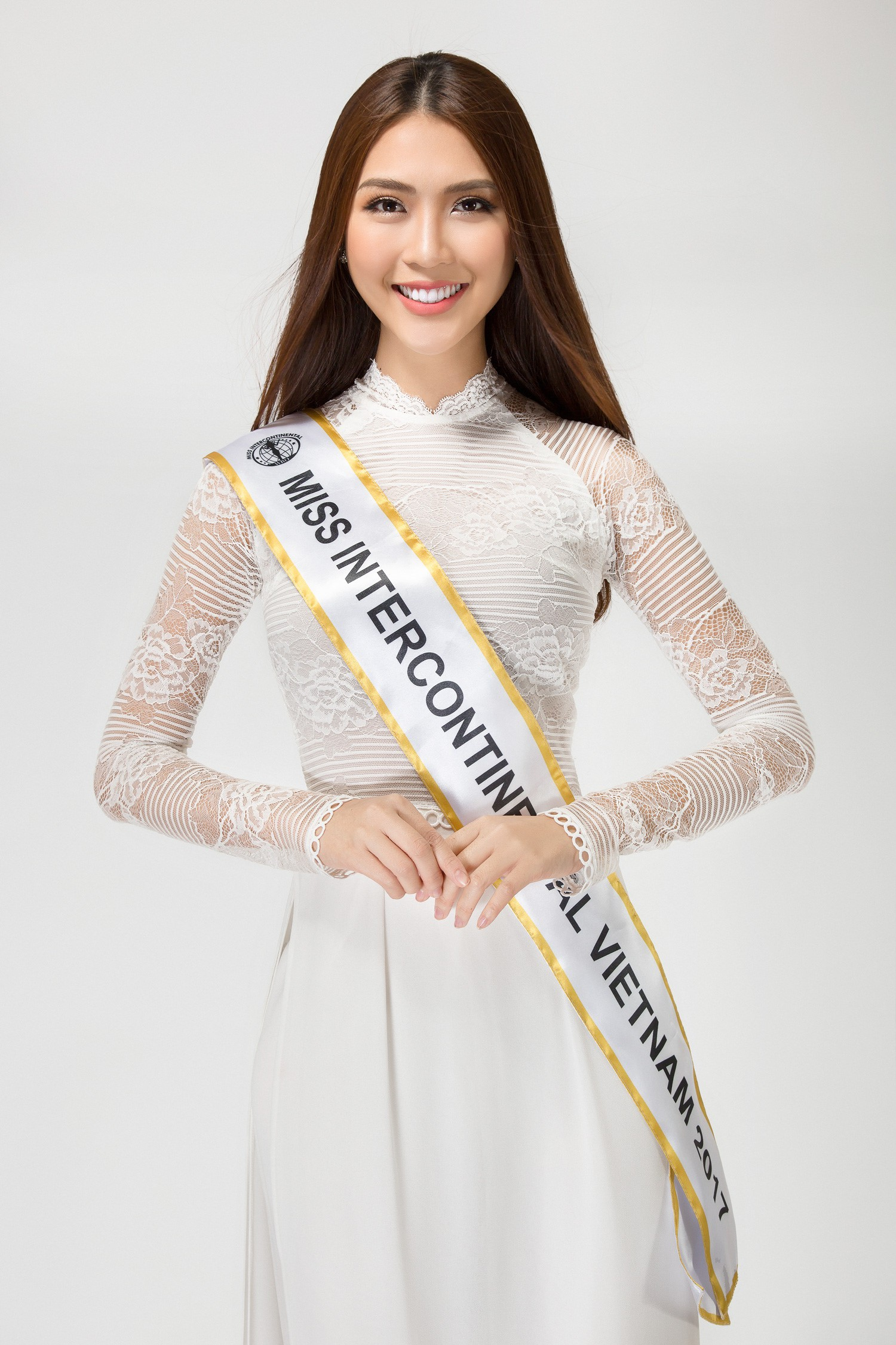 Phạm Hương, Nam Em và dàn mỹ nhân Vbiz kỳ vọng Hà Thu sẽ giành thứ hạng cao trong đêm chung kết Miss Earth 2017 - Ảnh 5.