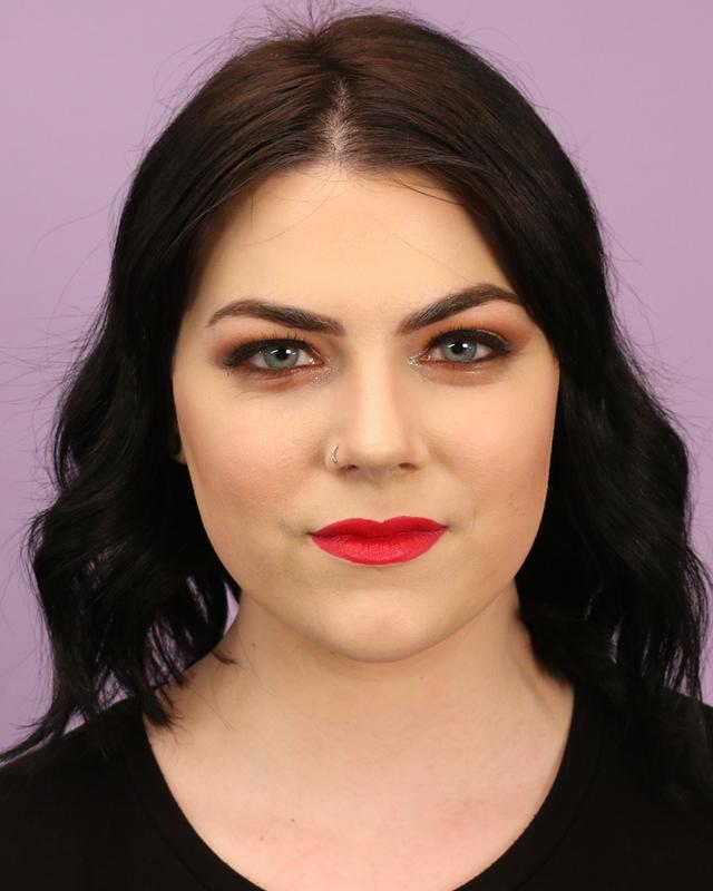 Cô nàng này đã đến 2 địa chỉ nổi tiếng yêu cầu được makeup theo phong cách lễ hội và bật ngửa vì kết quả quá khác biệt - Ảnh 7.