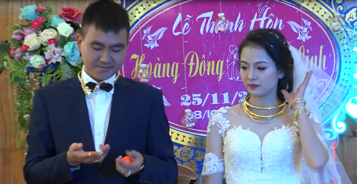 Cặp đôi được tặng nhiều vàng trong ngày cưới đến nỗi đủ mở cả tiệm trang sức - Ảnh 10.