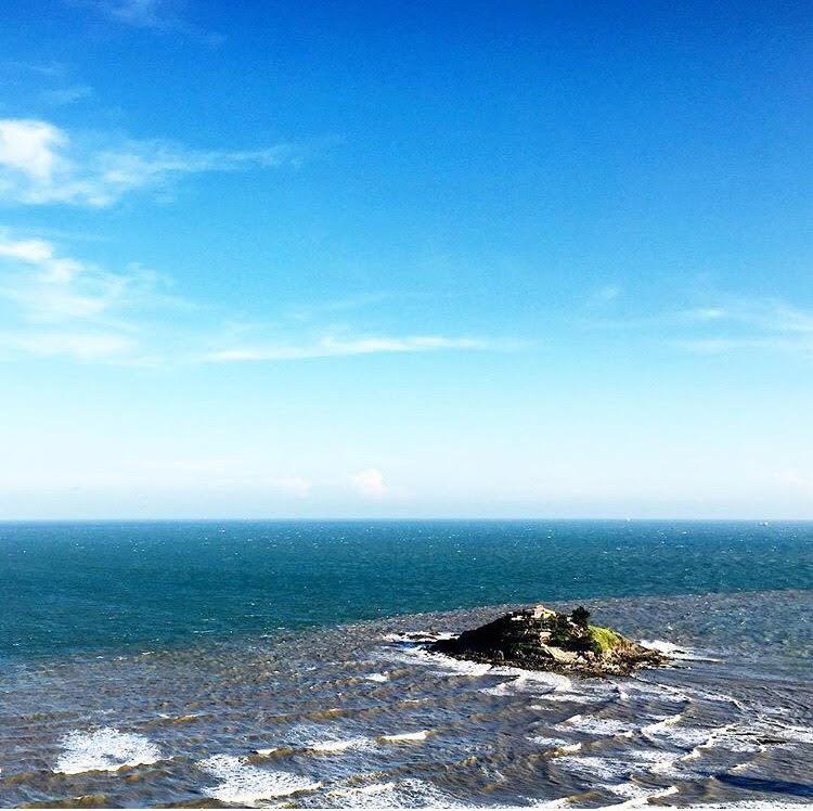 Những con đường giữa biển đẹp mê hồn ở Việt Nam mà bạn chưa biết tới - Ảnh 29.