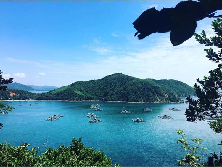 Những con đường giữa biển đẹp mê hồn ở Việt Nam mà bạn chưa biết tới - Ảnh 41.