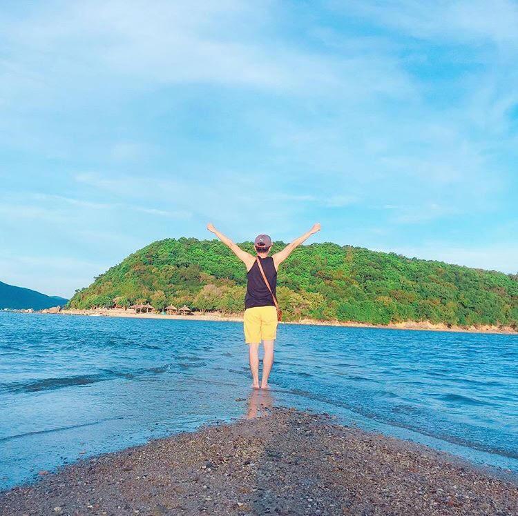Những con đường giữa biển đẹp mê hồn ở Việt Nam mà bạn chưa biết tới - Ảnh 44.