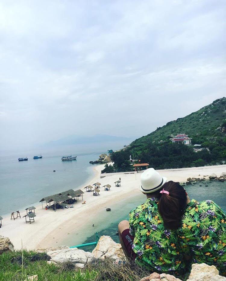Những con đường giữa biển đẹp mê hồn ở Việt Nam mà bạn chưa biết tới - Ảnh 9.