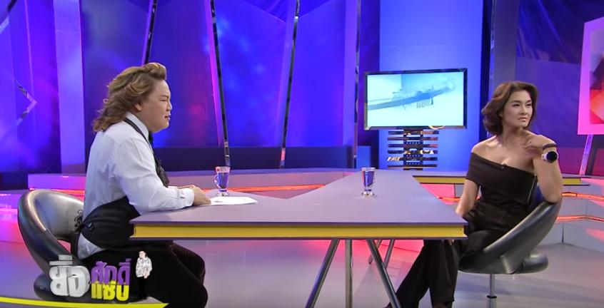 HLV Lukkade lên talkshow Thái Lan nói về scandal đi trễ và Hữu Vi ngồi trên bàn tại họp báo The Face Việt - Ảnh 2.