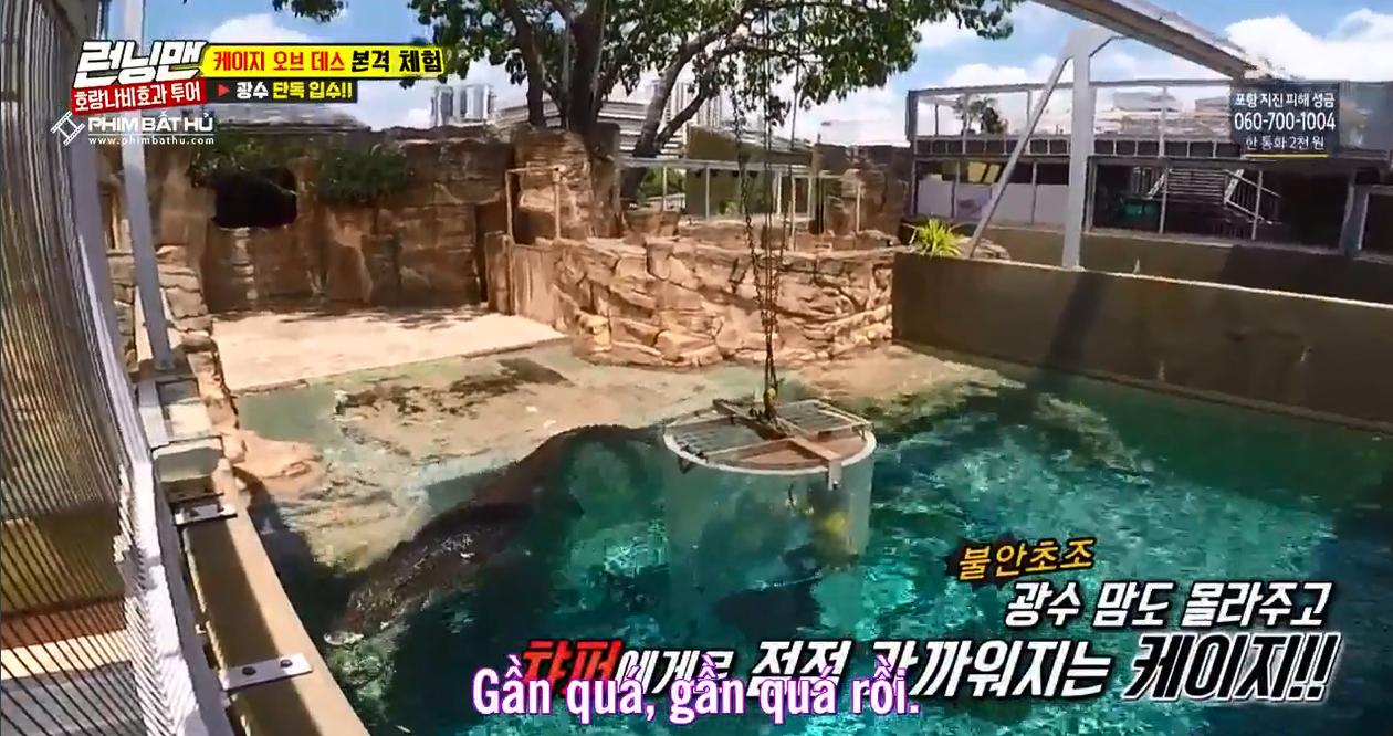 Sợ hãi tột độ, Lee Kwang Soo vẫn dành cho nàng cá sấu này 1 nụ hôn! - Ảnh 3.