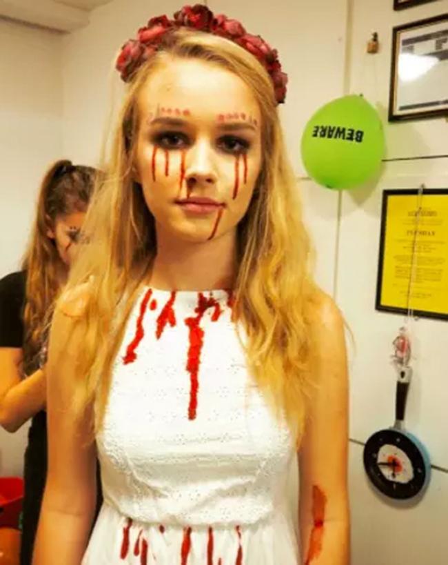 15 gợi ý về trang phục để bạn có một lễ Halloween...không thể tồi tệ hơn. - Ảnh 12.