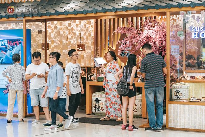 Khám phá 3 trung tâm thương mại lớn nhất Sài Gòn là thấy giới trẻ đang thích ăn gì, chơi gì? - Ảnh 25.
