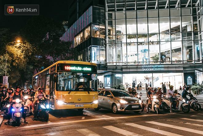 Khám phá 3 trung tâm thương mại lớn nhất Sài Gòn là thấy giới trẻ đang thích ăn gì, chơi gì? - Ảnh 22.