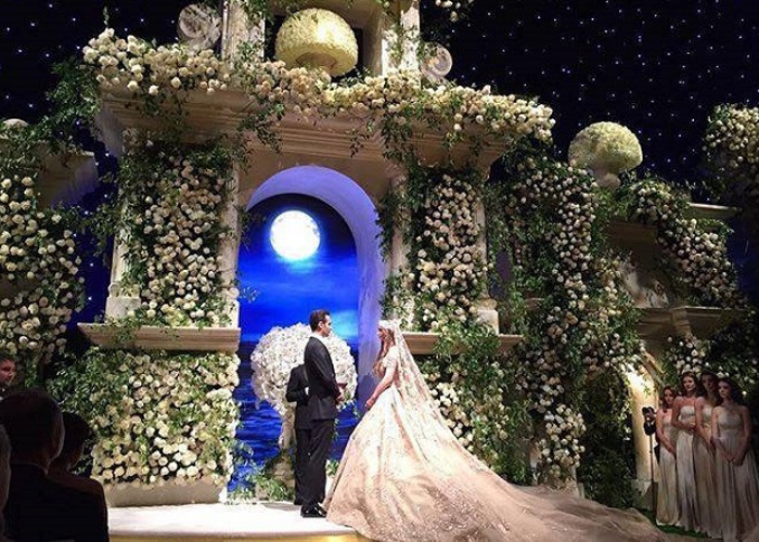 Chẳng ai như tiểu thư nước Nga, chi gần 230 tỷ đồng để mua váy cưới - Ảnh 3.