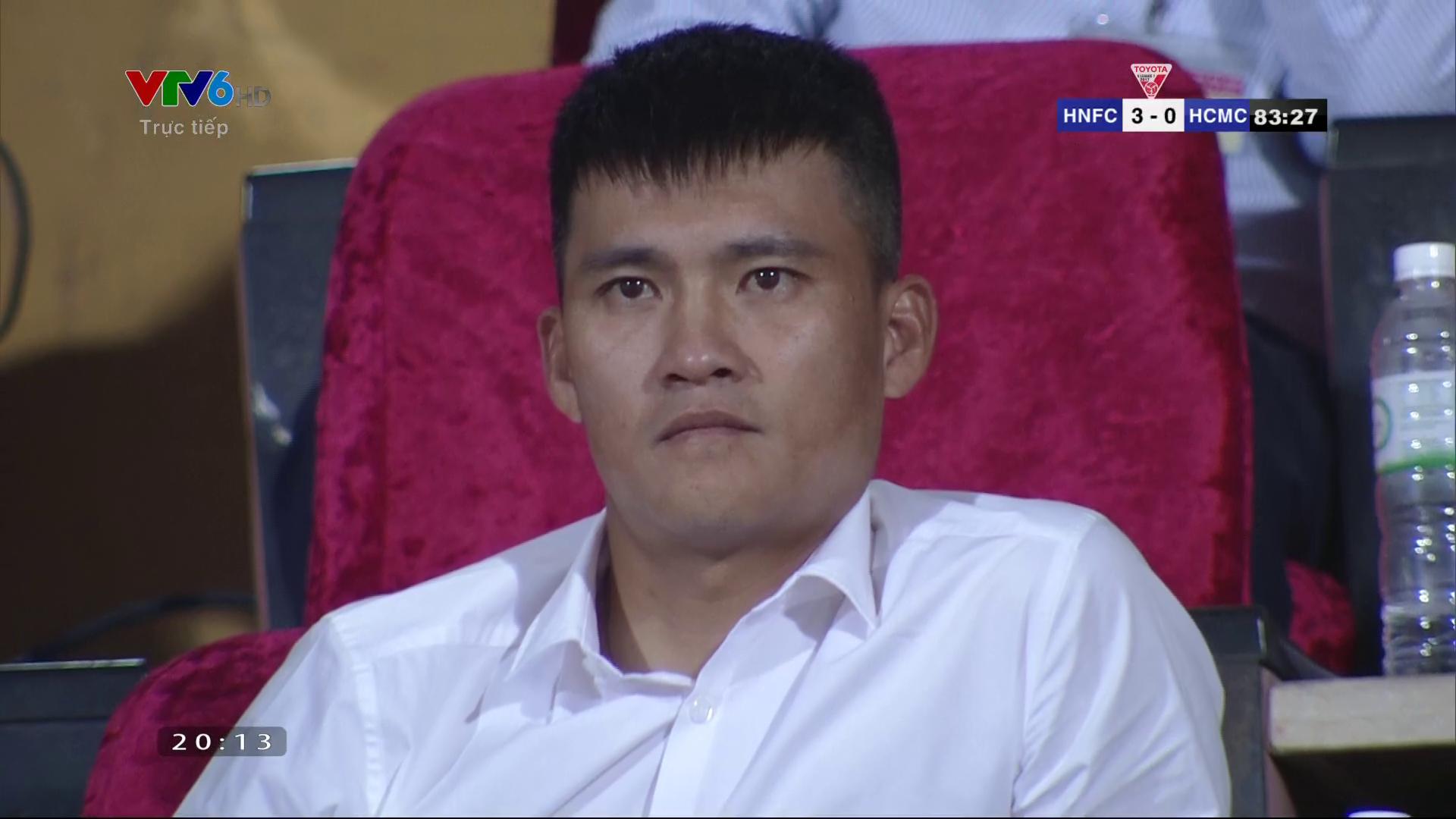 Công Vinh bất lực nhìn Hà Nội FC hủy diệt CLB TP.HCM - Ảnh 4.