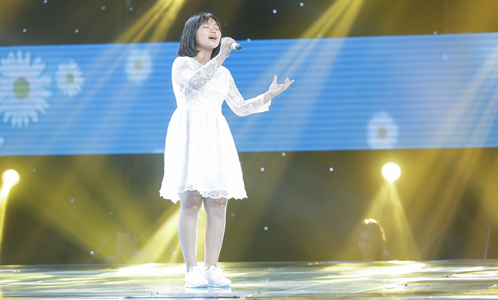 Chạy ào lên đón thí sinh nhưng bị từ chối, Vũ Cát Tường có giây phút bẽ bàng nhất lịch sử Giọng hát Việt nhí - Ảnh 20.
