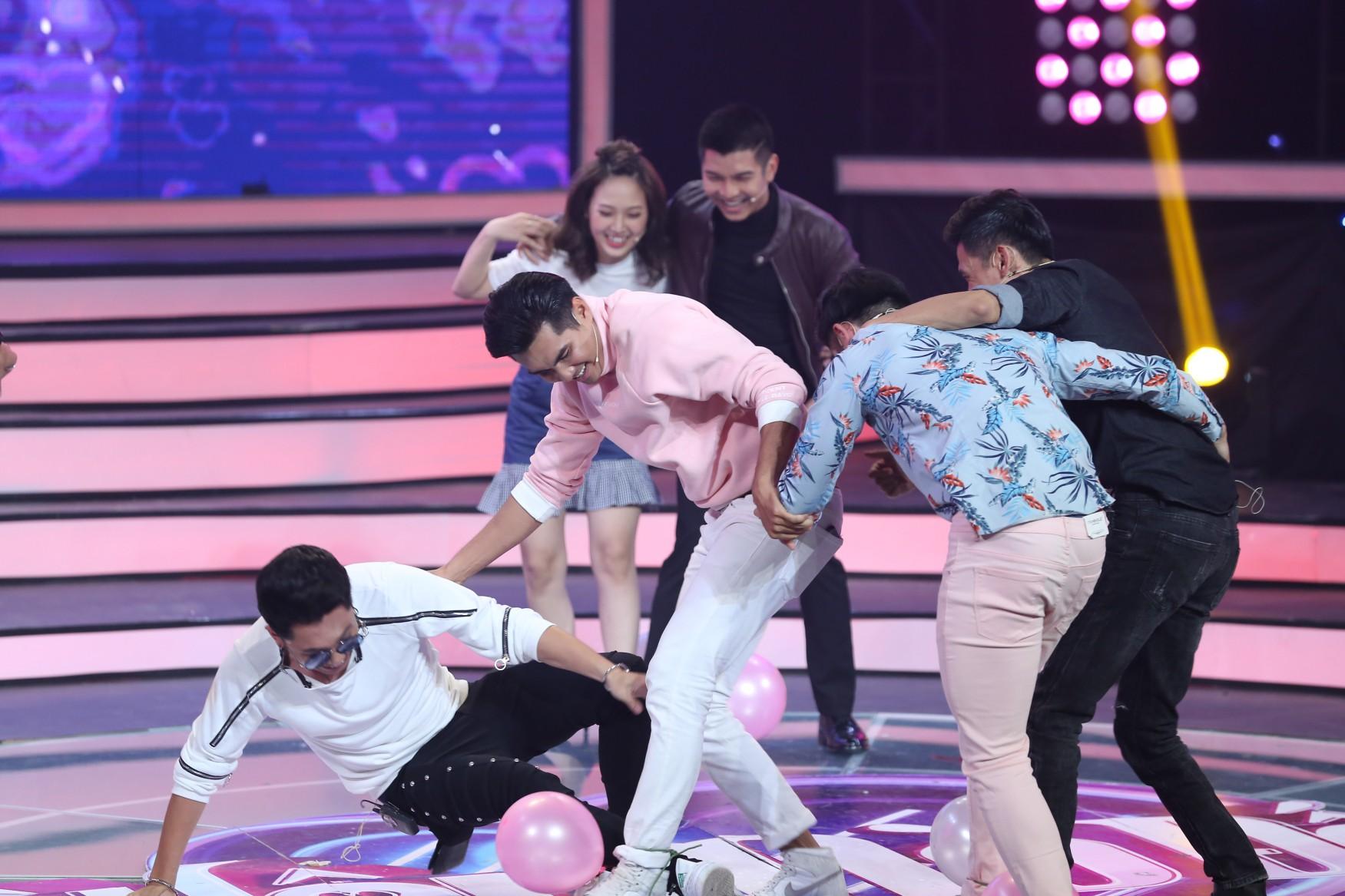 Vì yêu mà đến: MC Quang Bảo trở thành khách mời đầu tiên chấp nhận ra về cùng nữ thí sinh! - Ảnh 8.