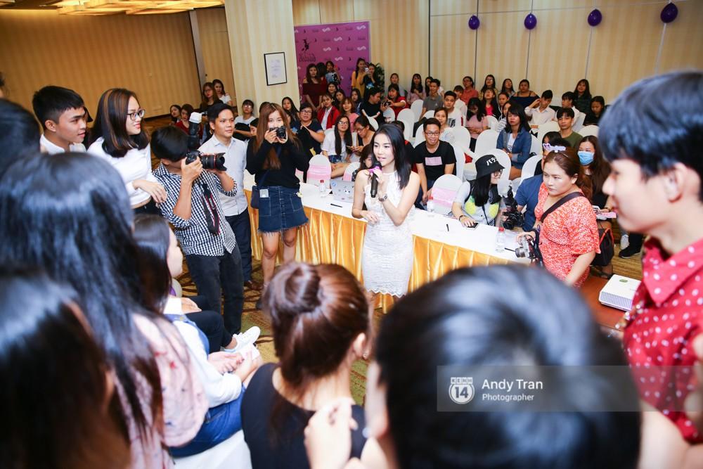 Tự tổ chức fanmeeting ở Việt Nam, Katun Tình yêu không có lỗi không thể tin lại đông fan đến vậy! - Ảnh 3.
