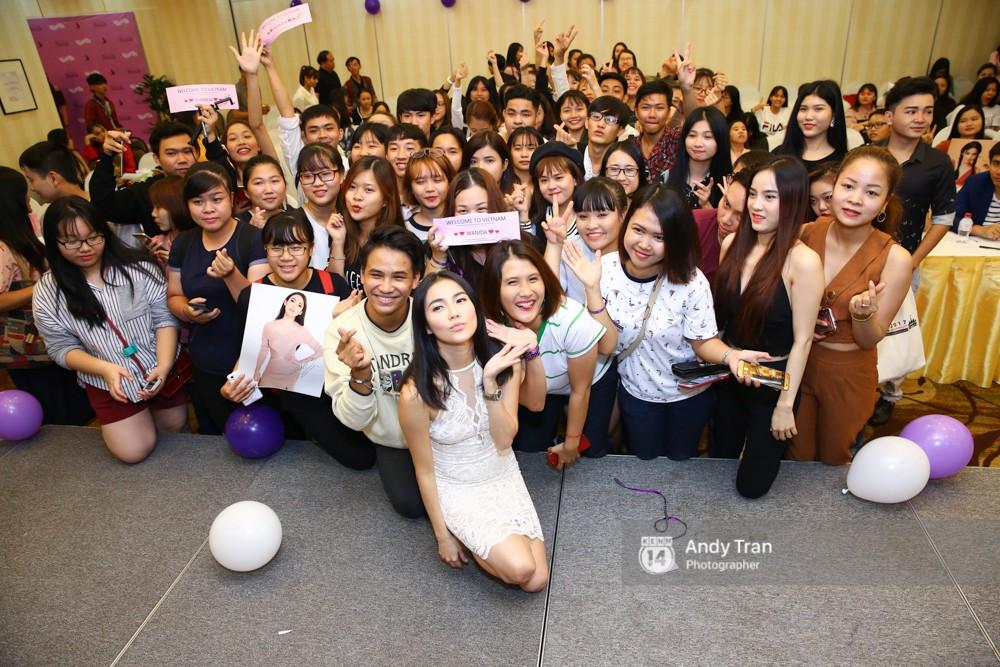 Tự tổ chức fanmeeting ở Việt Nam, Katun Tình yêu không có lỗi không thể tin lại đông fan đến vậy! - Ảnh 6.