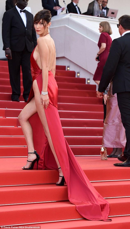 Có đến 2 nàng Bella Hadid thả dáng trên thảm đỏ Gala WeChoice Awards 2016!!! - Ảnh 7.