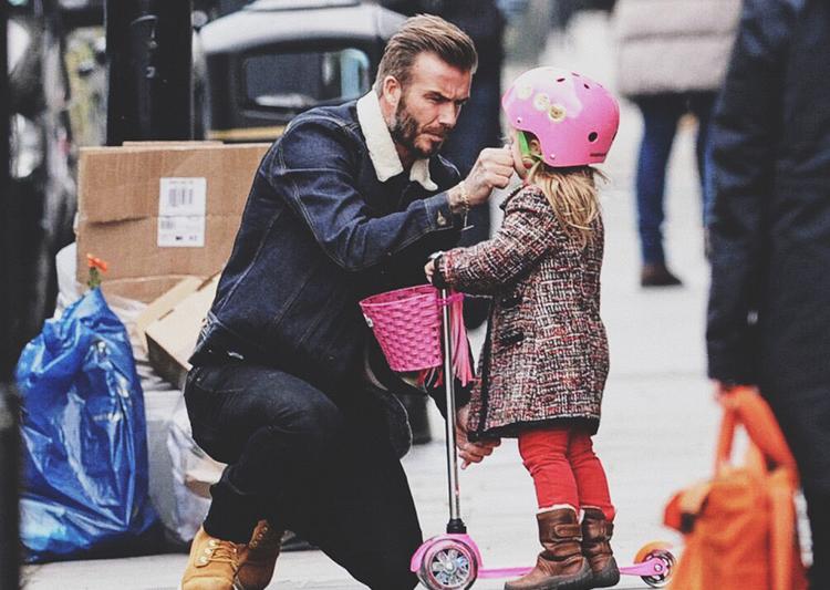 Ông bố 42 tuổi David Beckham: Tình yêu và yên bình mỗi sáng thức dậy là cái nắm tay của lũ trẻ nhỏ - Ảnh 11.
