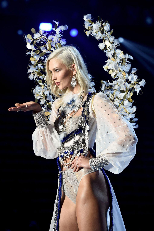 HOT: Victorias Secret Fashion Show 2017 đẹp ngoài sức tưởng tượng, Lais Ribeiro quá lộng lẫy với Fantasy Bra 2 triệu USD - Ảnh 24.