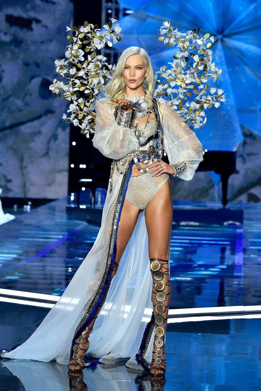 HOT: Victorias Secret Fashion Show 2017 đẹp ngoài sức tưởng tượng, Lais Ribeiro quá lộng lẫy với Fantasy Bra 2 triệu USD - Ảnh 23.